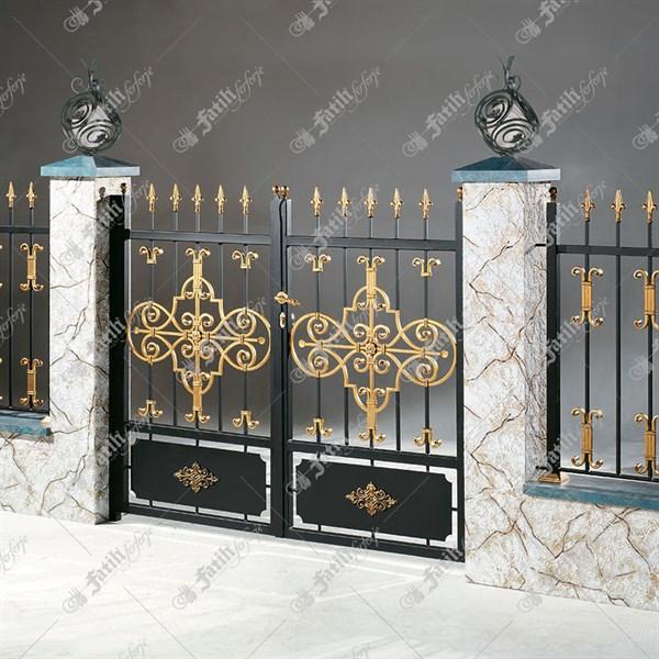 Ferforje avlu kapıları